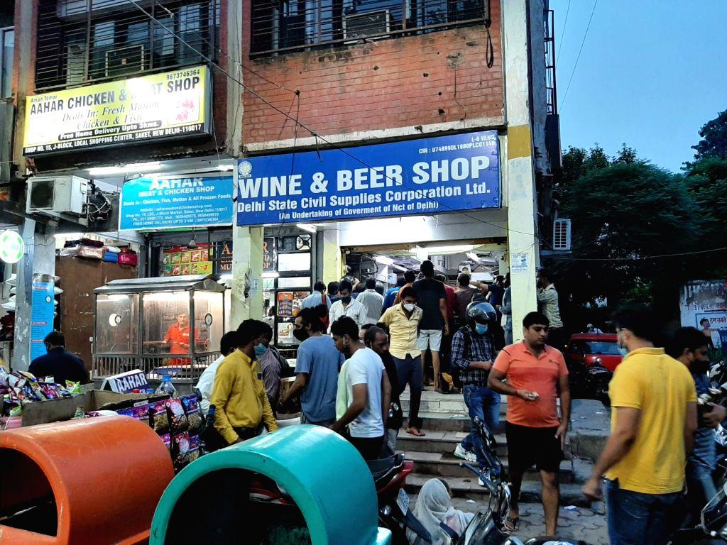 Liquor crisis: Delhi tipplers throng govt shops as pvt outlets down shutters