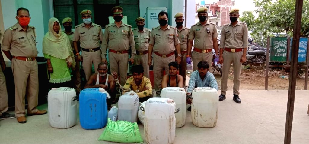 Liquor smuggling in Dehi and NCR duing lockdown.