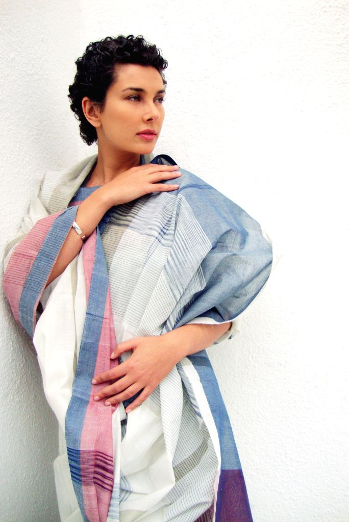 Lisa Ray in Kunbi sari