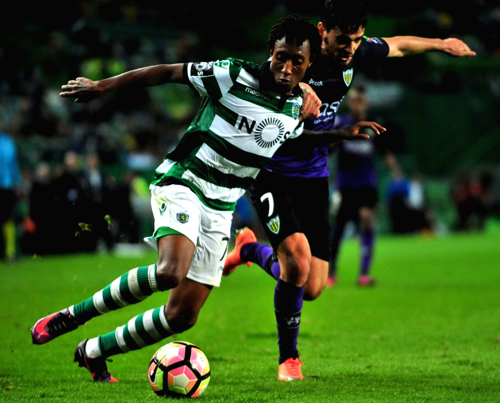 LISBON , Oct. 23, 2016 - Sporting's Gelson (L) vies with Tondela's C. Goncalves during the Portuguese Primeira Liga soccer match between Sporting CP and CD Tondela at the Jose Alvalade stadium in ...
