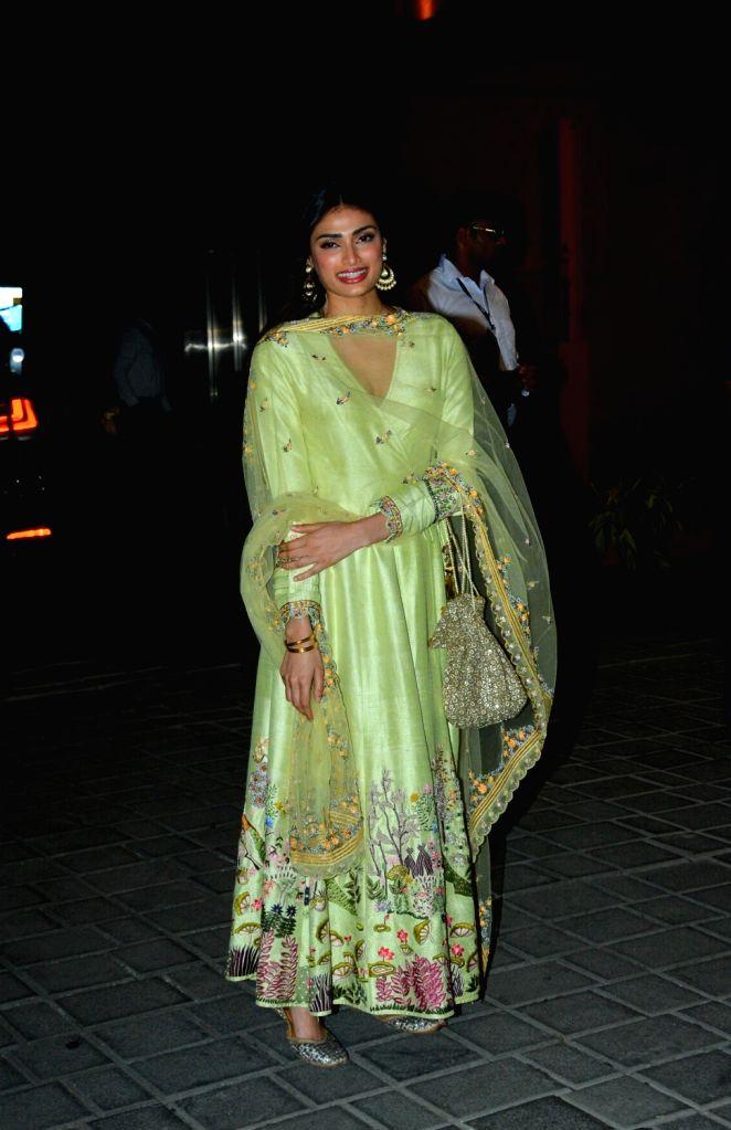 Live audience gives sense of confidence: Athiya Shetty - Athiya Shetty