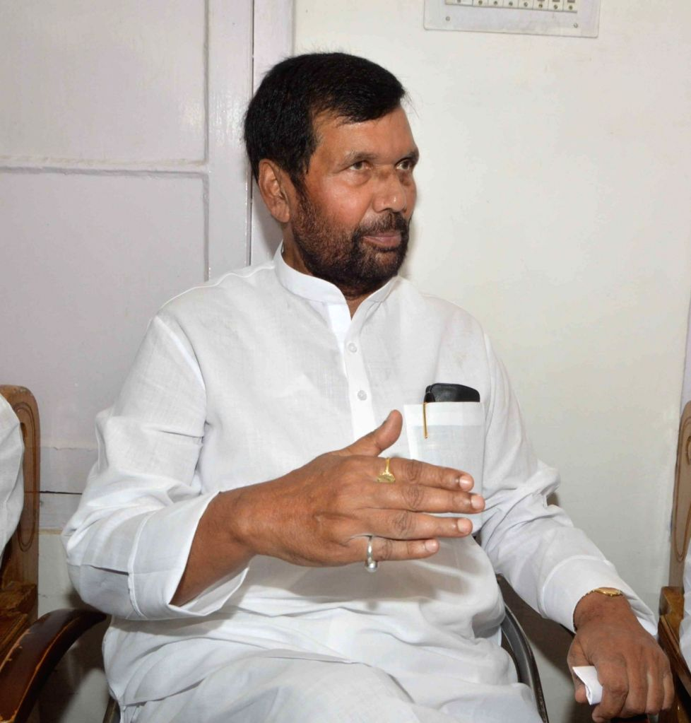 LJP chief and Union Minister for Consumer Affairs, Food and Public Distribution Ramvilas Paswan addresses a press conference in Patna on July 31, 2016.