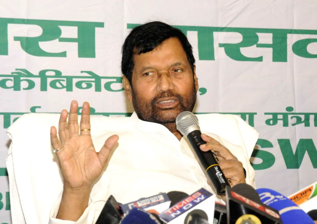 LJP chief Ramvilas Paswan addresses a press conference in Patna on Oct 7, 2016.
