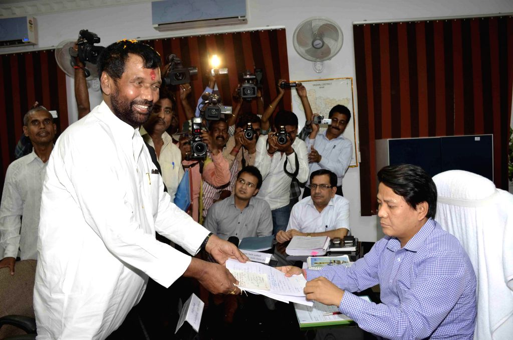 LJP supremo Ram Vilas Paswan files his nomination papers in Hajipur on April 15, 2014.