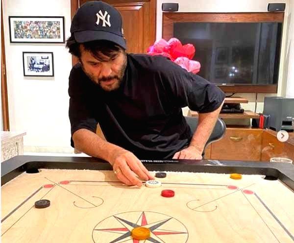 Lockdown diaries: Anil Kapoor and wife hone carrom skills. - Kapoor
