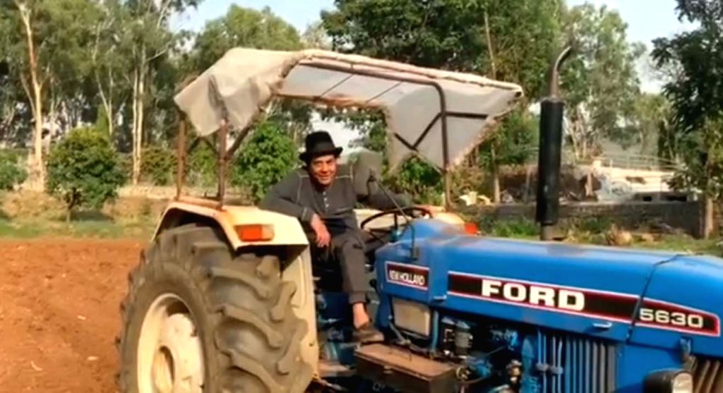 Lockdown diaries: Dharmendra loves his life in the farm.