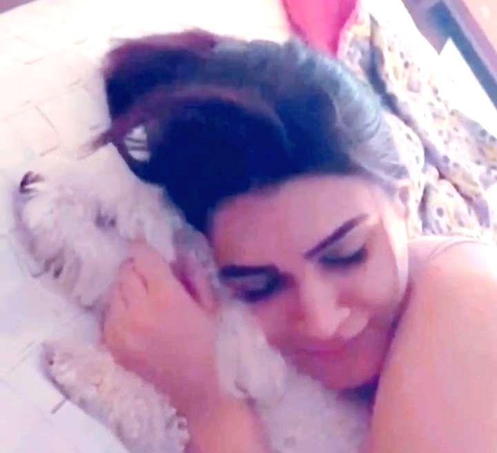 Lockdown diaries: Kriti Sanon is having a 'pawsome' time .