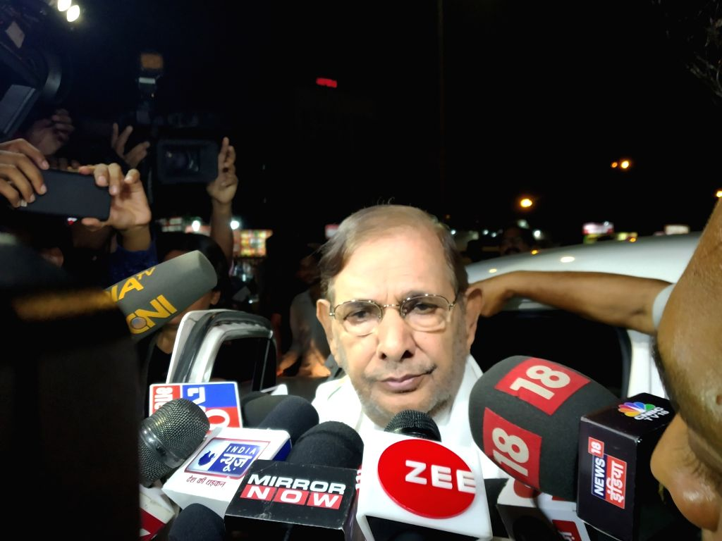Loktantrik Janata Dal leader Sharad Yadav talks to media in New Delhi on Aug 9, 2019. (Photo: IANS) ` - Sharad Yadav