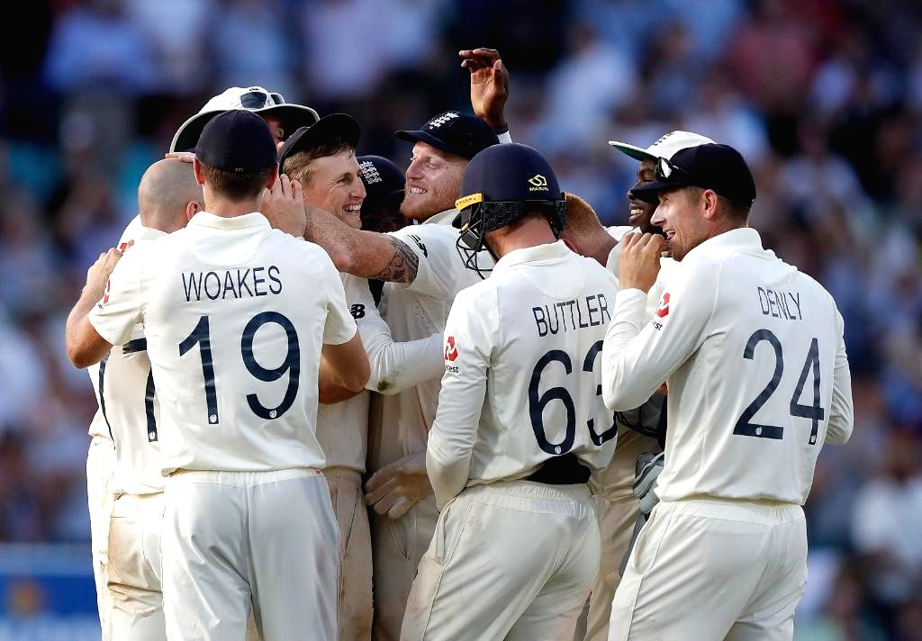 London: England players celebrate after winning the 5th Test match against Australia at Kennington Oval in London on Sep 15, 2019. England won by 135 runs. (Photo: Twitter/@ICC)