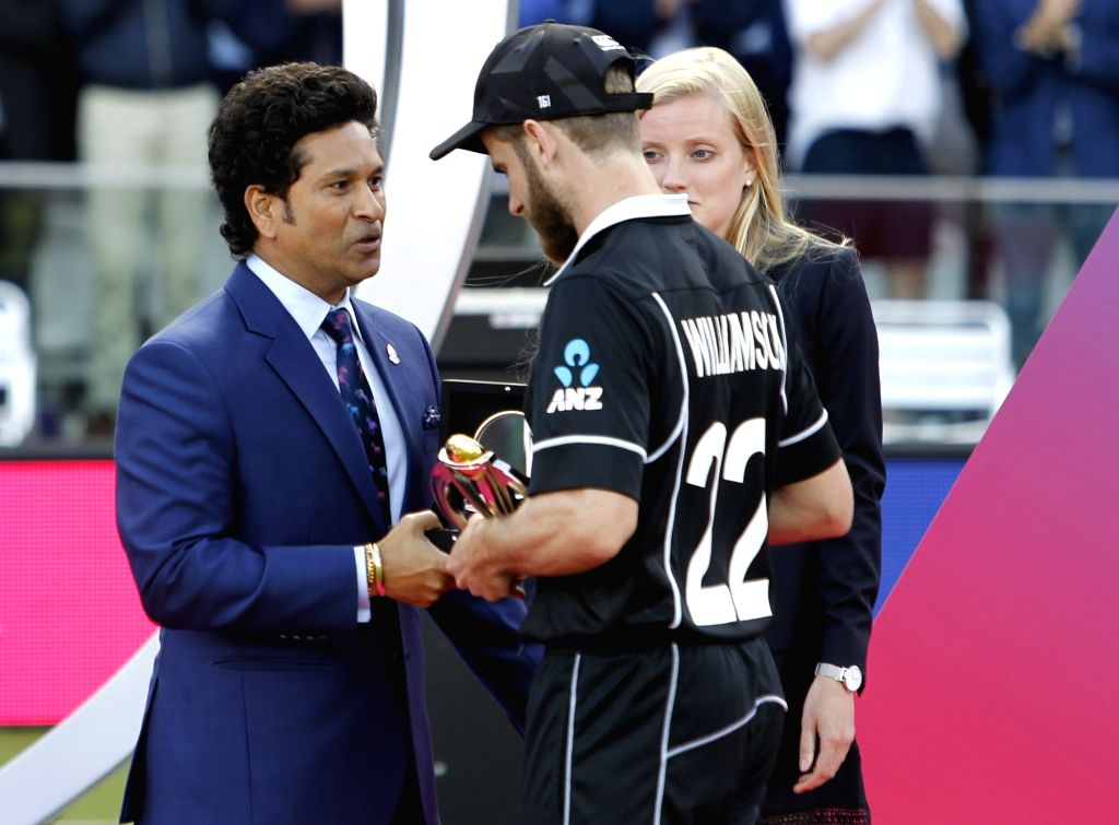 London: New Zealand captain Kane Williamson with cricket legend Sachin Tendulkar during the 2019 World Cup presentation ceremony at Lord's in London on July 15, 2019. (Photo: Surjeet Yadav/IANS) - Kane Williamson, Sachin Tendulkar and Surjeet Yadav