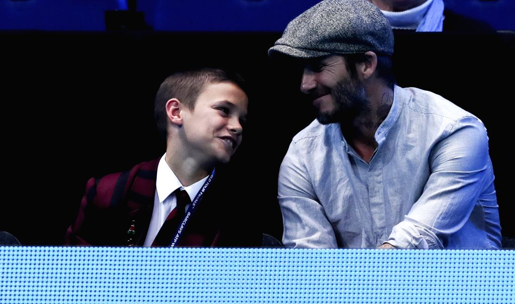 LONDON, Nov. 18, 2016 - David Beckham (R) and his son Romeo Beckham watch a match at the 2016 ATP World Tour Final at the O2 in London, Britain, on Nov. 17, 2016.