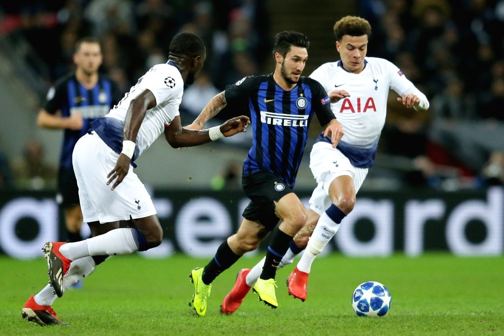 LONDON, Nov. 29, 2018 - Inter Milan's Matteo Politano (2nd R) competes during the UEFA Champions League Group B match between Tottenham Hotspur and Inter Milan at Wembley Stadium in London, Britain ...