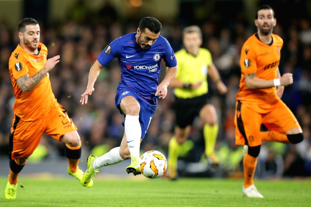 LONDON, Nov. 30, 2018 - Chelsea's Pedro Rodrigues (2nd L) competes during the UEFA Europa League Group L match between Chelsea and PAOK at Stamford Bridge in London, Britain on Nov. 29, 2018. Chelsea ...
