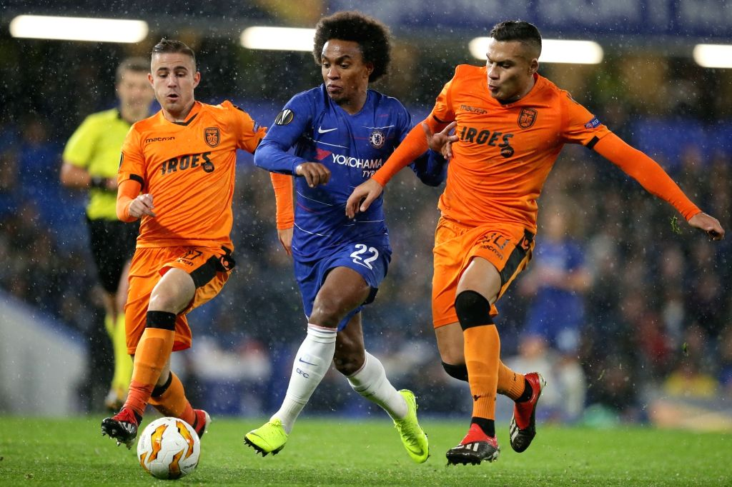 LONDON, Nov. 30, 2018 - Chelsea's Willian (C) vies with PAOK's Dimitris Pelkas (L) and Leo Jaba during the UEFA Europa League Group L match between Chelsea and PAOK at Stamford Bridge in London, ...