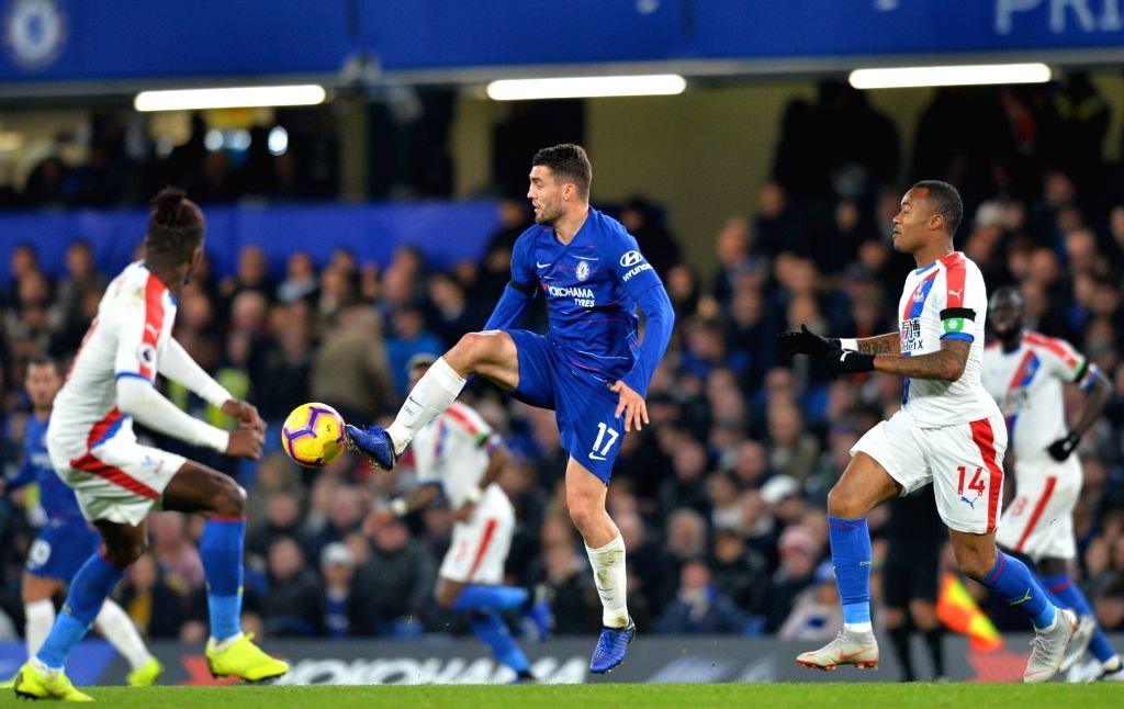 LONDON, Nov. 5, 2018 - Mateo Kovacic (C, Front) of Chelsea controls the ball during the English Premier League match between Chelsea and Crystal Palace at Stamford Bridge Stadium in London, Britain ...