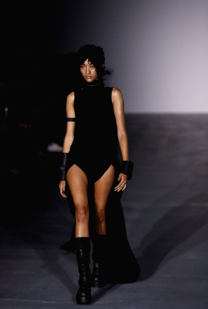 LONDON, Sept. 18, 2016 - A model walks the runway at the Gareth Pugh show during London Fashion Week Spring/Summer collections 2017 in London, Britain, Sept. 17, 2016.