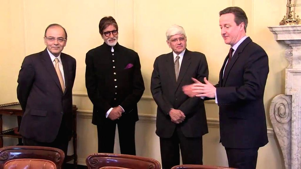 London (UK): (L-R)Union Minister for Finance, Corporate Affairs, and Information and Broadcasting Arun Jaitley, actor Amitabh Bachchan, Mahatma Gandhi's grandson Gopal Krishna Gandhi and British ... - Amitabh Bachchan, Arun Jaitley and Gopal Krishna Gandhi
