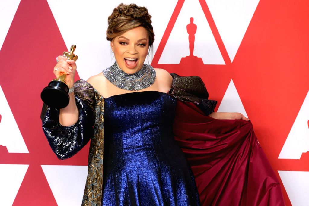 "LOS ANGELES, Feb. 25, 2019 (Xinhua) -- Ruth E. Carter, winner of the Best Costume Design award for ""Black Panther"", poses in the press room during the 91st Academy Awards ceremony, or the Oscars, held at the Dolby Theatre in Los Angeles, the United S"