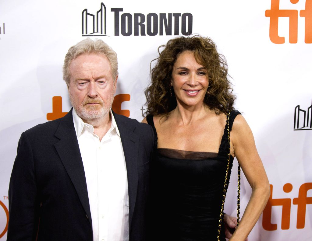 """Los Angeles, June 12 (IANS) Legendary filmmaker Ridley Scott is working on a sequel of his 2000 blockbuster """"Gladiator"""", but is finding it hard to crack a story for the follow-up."""