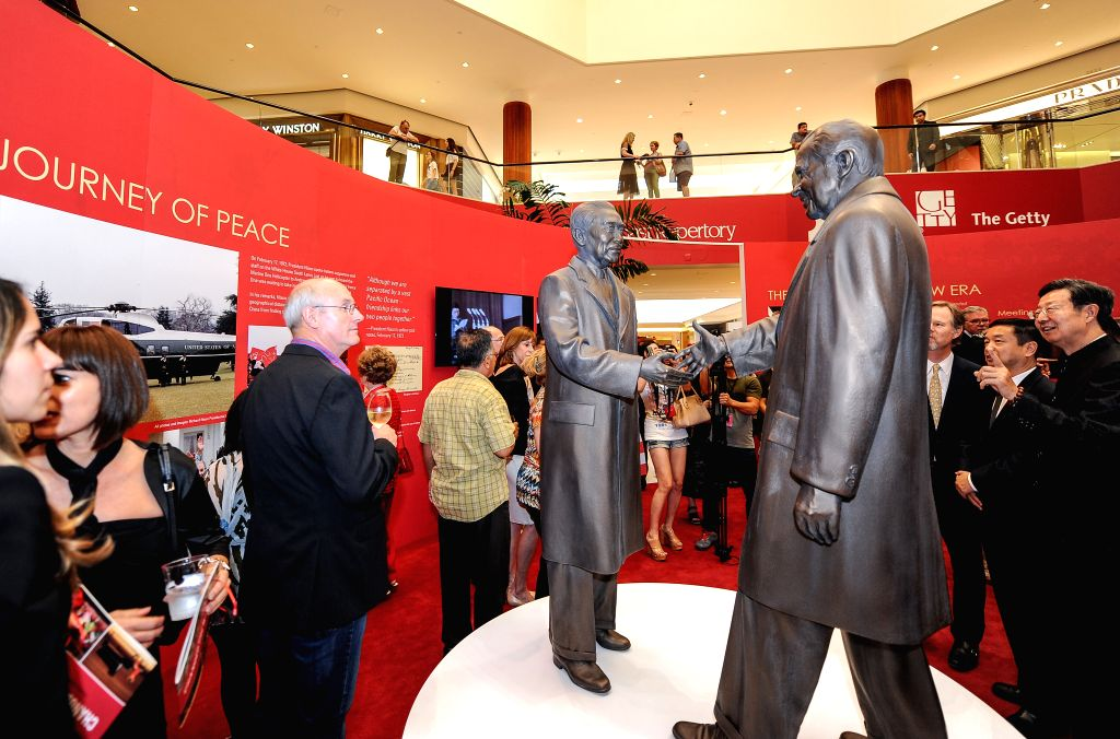 "LOS ANGELES, June 25, 2016 - People visit the exhibition named ""The Week That Changed the World: Nixon, China and the Arts"" at South Coast Plaza in Costa Mesa, California, the United ..."