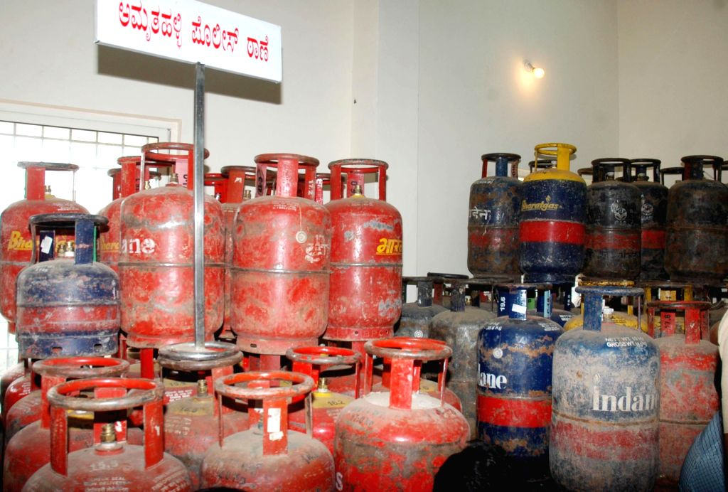 LPG kits recovered by Amruta Hallo Police being displayed at Police commissioner Office, in Bangalore on Dec. 7, 2013.