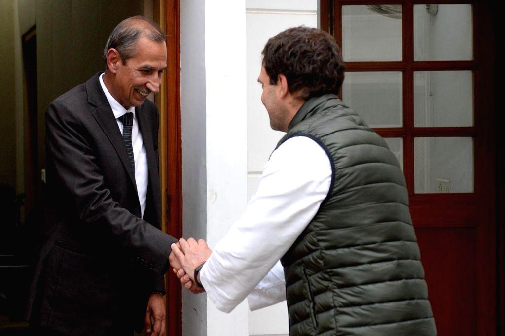 Lt Gen (Retd.) DS Hooda during a meeting with Congress President Rahul Gandhi in New Delhi on Feb 21, 2019. - Rahul Gandhi