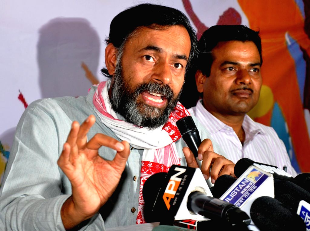 AAP leader Yogendra Yadav addresses a press conference in Lucknow on April 9, 2015.