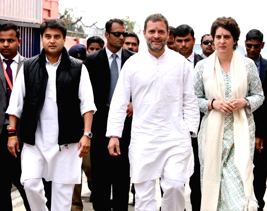 Lucknow: Congress leaders Rahul Gandhi, Priyanka Gandhi Vadra and Jyotiraditya Scindia arrive in Lucknow on Feb 11, 2019. (Photo: IANS/AICC) - Rahul Gandhi and Priyanka Gandhi Vadra
