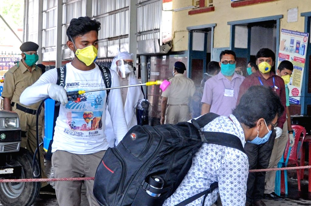 Lucknow, May 7 (IANS) Two employees of the Lucknow Municipal Corporation (LMC) have been suspended for allegedly spraying disinfectant on migrant workers at the Charbagh railway station, here.	 (File Photo: Kuntal Chakrabarty/IANS)