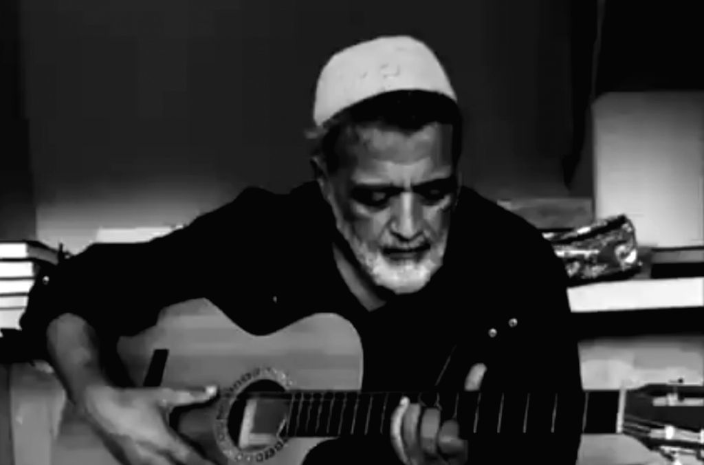 Lucky Ali stops singing O sanam at line mentioning death in viral video.