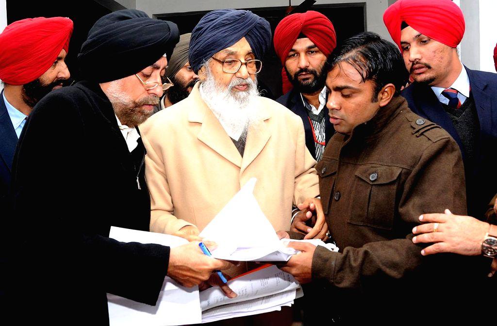 Punjab Chief Minister Parkash Singh Badal during a Sangat Darshan programme in Dhuri, Ludhiana on Jan 21, 2015. - Parkash Singh Badal