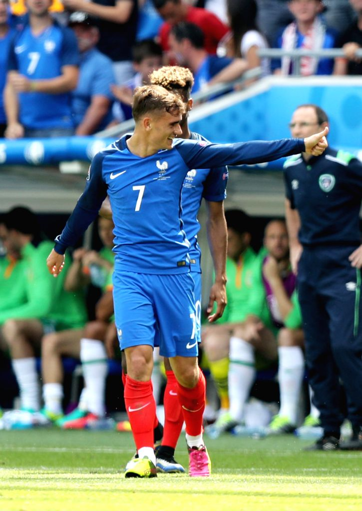 LYON, June 26, 2016 - France's Antoine Griezmann (Front) celebrates scoring a goal during the Euro 2016 round of 16 football match between France and Republic of Ireland in Lyon, France, June 26, ...