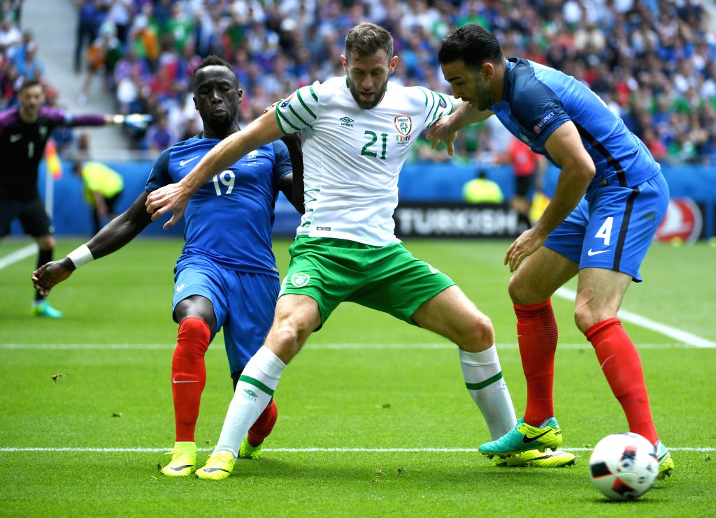 LYON, June 26, 2016 - Ireland's Daryl Murphy competes during the Euro 2016 round of 16 football match between France and Republic of Ireland in Lyon, France, June 26, 2016.