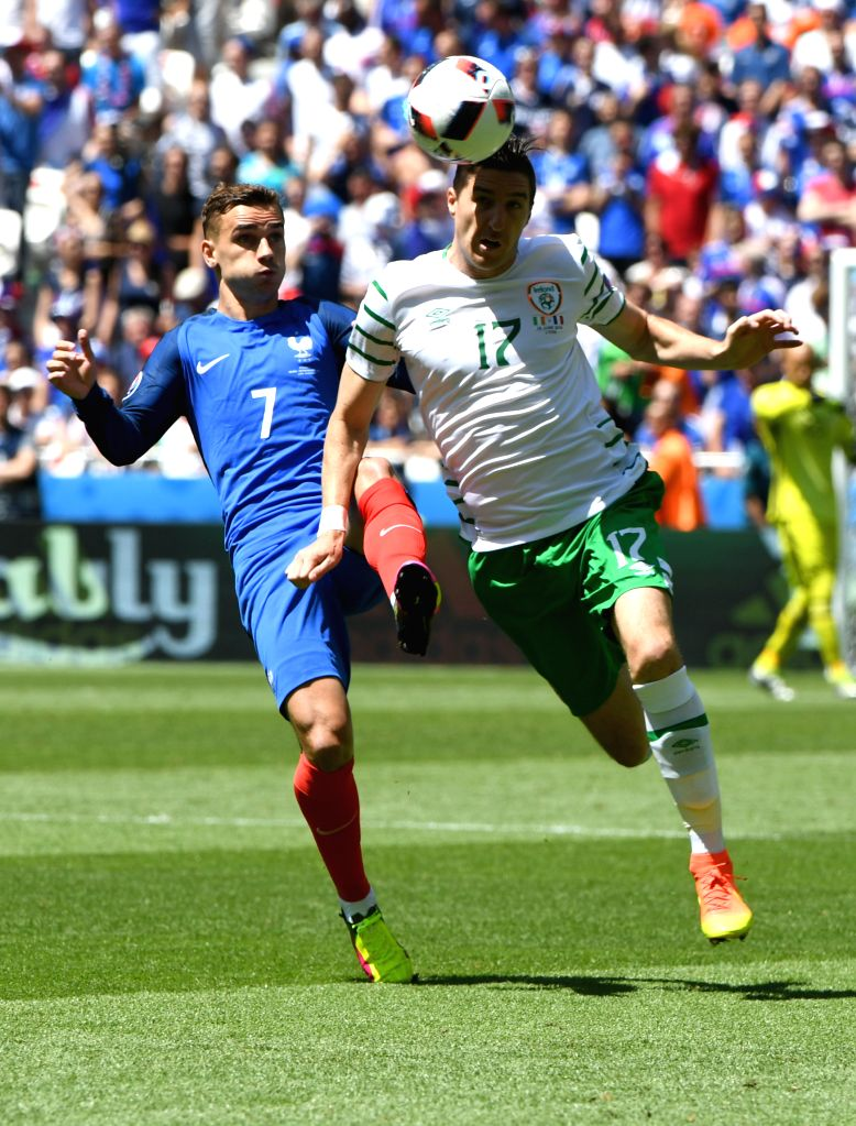 LYON, June 26, 2016 - Republic of Ireland's Stephen Ward (R) competes during the Euro 2016 round of 16 football match between France and Republic of Ireland in Lyon, France, June 26, 2016.
