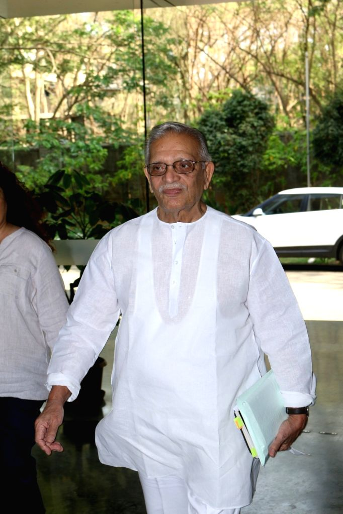 Lyricist and filmmaker Gulzar during the interaction session with students to share the art of song writing at Whistling Woods International in Mumbai, on March 23, 2017.