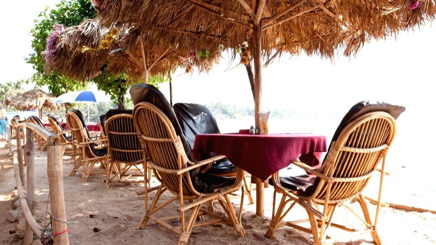 M'rashtra permits Goa-style beach shacks to woo tourists.