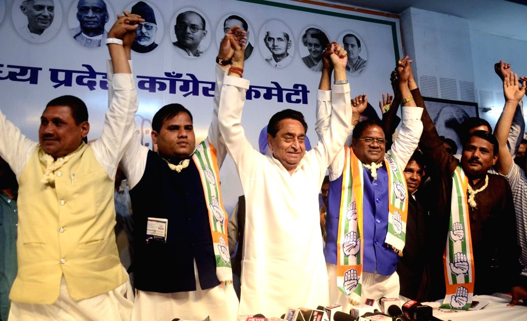 Madhya Pradesh Chief Minister and Congress leader Kamal Nath with former BSP leaders Pradeep Ahirwar (second from Left), Deoraj Singh (first from Right) and other leaders of BSP during a ... - Kamal Nath and Deoraj Singh