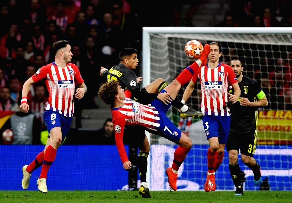 MADRID, Feb. 21, 2019 - Atletico de Madrid's Antoine Griezmann (C) competes during during the UEFA Champions League match between Spanish team Atletico de Madrid and Italian team Juventus in Madrid, ...
