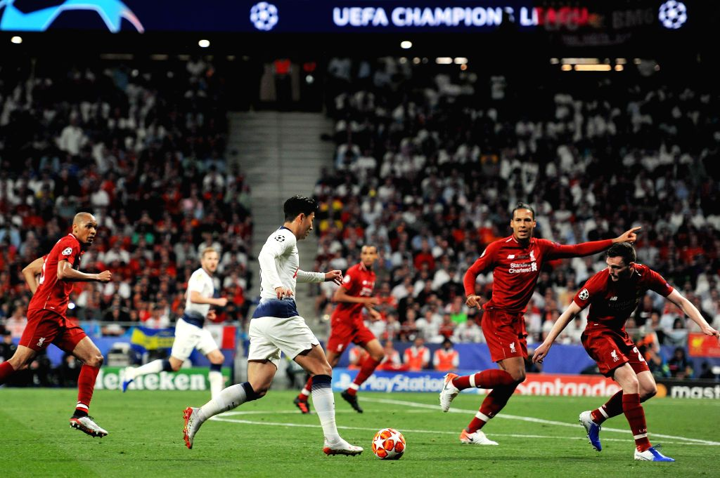 MADRID, June 2, 2019 (Xinhua) -- Hotspur's Son Heung-min (3rd L) dribbles during the UEFA Champions League final match between two British teams Liverpool and Tottenham Hotspur in Madrid, Spain, on June 1, 2019. Liverpool won 2-0 and claimed the cham