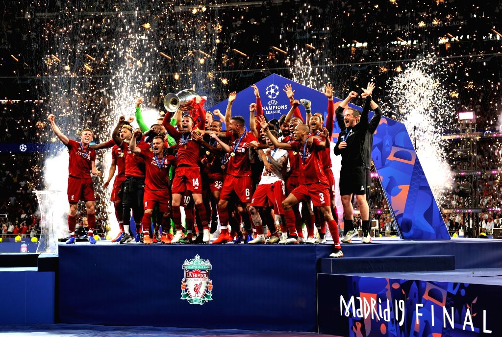 MADRID, June 2, 2019 (Xinhua) -- Players of Liverpool celebrate their championship on the podium after the UEFA Champions League final match between two British teams Liverpool and Tottenham Hotspur in Madrid, Spain, on June 1, 2019. Liverpool won 2-