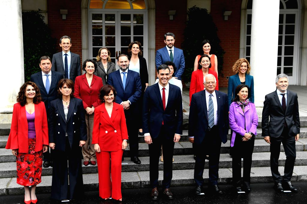 MADRID, June 8, 2018 - , (XINHUA)Spanish Prime Minister Pedro Sanchez (C, Front) and his ministers pose for a family photo in Madrid, Spain, June 8, 2018. Spain's Socialist new prime minister, ... - Pedro Sanchez