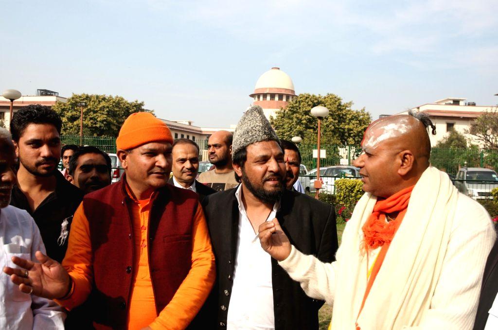 Mahant Ramdas and self-proclaimed descendant of Mughal emperor Bahadur Shah Zafar, Prince Yakub Habeebuddin Tucy outside the Supreme Court after a hearing on the Babri Masjid- Ram ... - Bahadur Shah Zafar