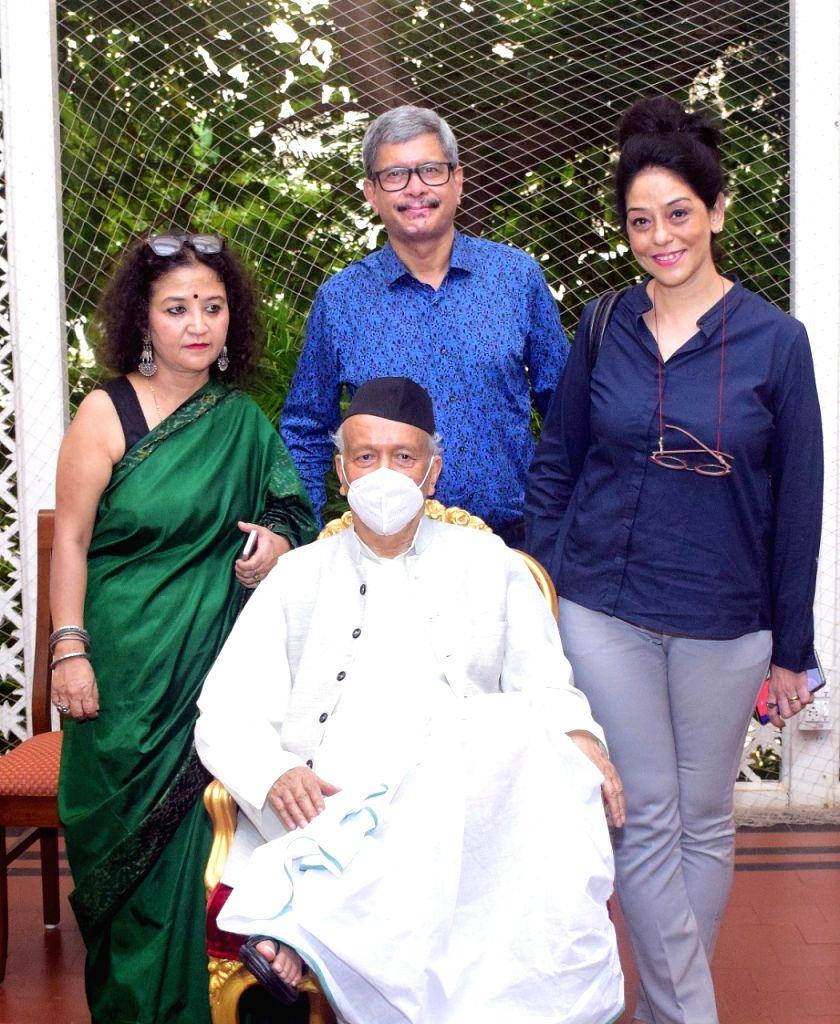 Maharashtra Governor Bhagat Singh Koshyari released the poster of the film 'Samosa and Sons' produced by national award winning filmmaker Shalini Shah at Raj Bhavan. - Bhagat Singh Koshyari and Shalini Shah