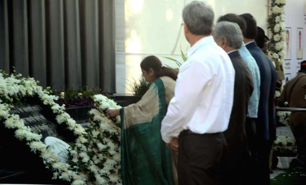 Maharashtra Governor CH VIdyasagar Rao, Chief Minister Devendra Fadnavis, Shiv Sena Chief Uddhav Thackeray and family members of martyrs pay tribute at the memorial on eighth anniversary of ... - Devendra Fadnavis