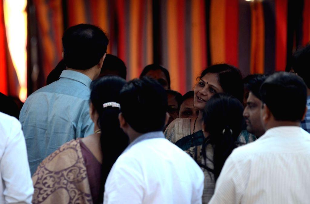 Maharashtra Governor CH VIdyasagar Rao, Chief Minister Devendra Fadnavis, Shiv Sena Chief Uddhav Thackeray and family members of martyrs pay tribute at the memorial on eighth anniversary of ... - Devendra Fadnavis
