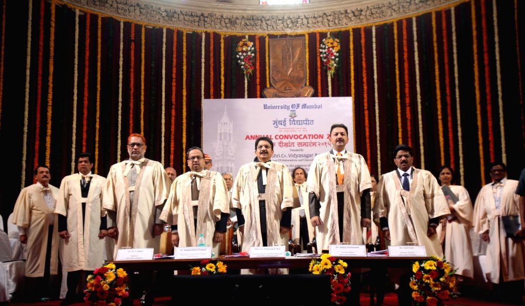 Maharashtra Governor Chennamaneni Vidyasagar Rao during the Annual Convocation 2015 of Mumbai University in Mumbai, on Jan 14, 2016. - Chennamaneni Vidyasagar Rao