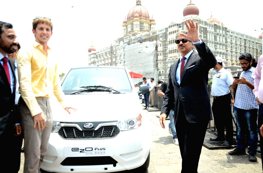 Mahindra Group Chairman Anand Mahindra and Zoomcar co-founder and CEO Greg Moran at the flagging off ceremony of Electric Vehicles at the launch of a service where all-electric city car will ...