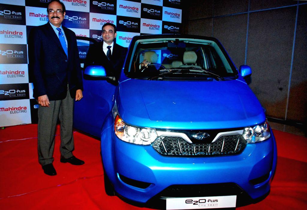 Mahindra launches 'e2oPlus' in Kolkata on Oct 28, 2016.