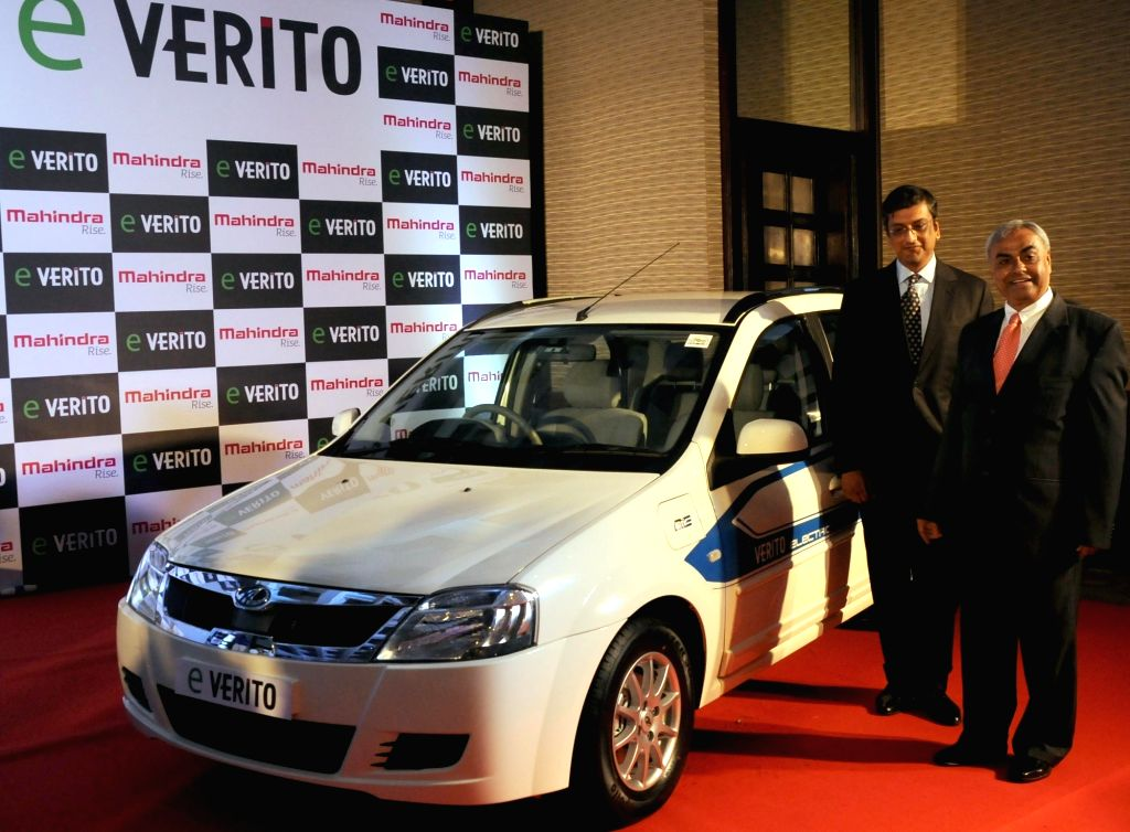 "Mahindra & Mahindra CEO (Automotive) Pravin Shah and Mahindra Reva Electric Vehicles CEO Arvind Mathew at the launch of  Mahindra's all electric ""e-Verito"" in New Delhi, on ... - Pravin Shah"