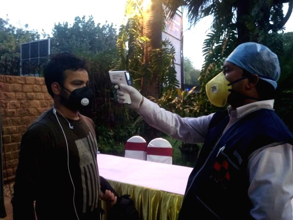 Maintain hygiene at Fair Price Shops: Delhi Food Minister